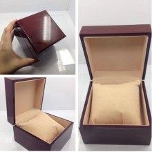 Коробка для часов деревянная лакированная оптом